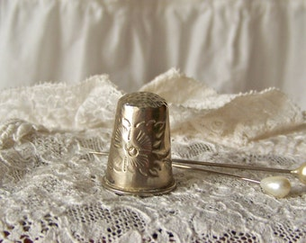 Vintage Thimble Sewing Room Thimble Collector Quilter Gift for Mom Vintage 1980s