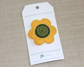 Girls wool hair clip Banana yellow daisy flower metal Snap hair clip 100% Wool Felt