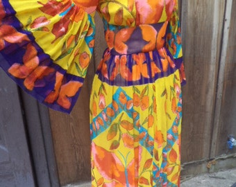 1960's Bright & Colorful  Long Maxi Dress w/ Wide Full Sleeves Sz.2 / 4