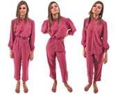 On Sale - 70s Boho Sheer 2 Piece Set, Dusty Pink Pant Set, Boho Blouse, Pleated Pants, Bohemian, Hippie Δ size: xxs