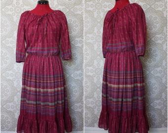 Vintage 1970's 80's Purple Floral Day Dress with Ruffled Hem Medium