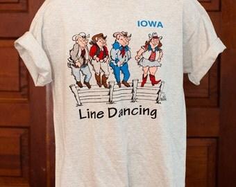 IOWA Tshirt Line Dancing pigs - L