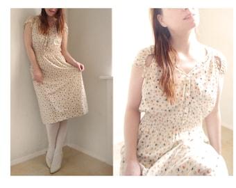 Vintage 80s Dress Floral Print Light day dress beige soft colored short sleeves Summer moods