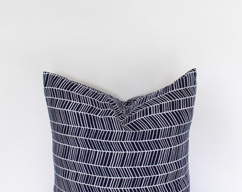 18 inch throw pillow cover, Herringbone navy blue and white. Menswear inspired pattern, modern print. For indoor use.