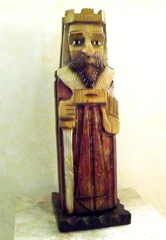 Vintage king arthur carved wood bottle holder liquor