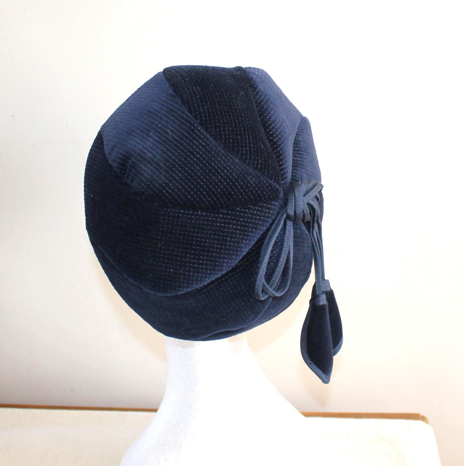 vintage womens navy kangol hat with tassels