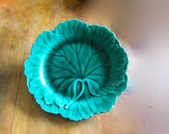 Vintage Majolica Plate Wedgwood Green Grape Leaf Design 1940s