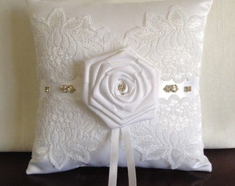 Weddings/White Ring Bearer Pillow/ Bridal Pillow/ Wedding Pillow/ Ring Bearer Pillow/Wedding Accessory