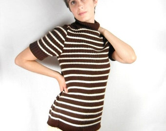 Brown & white stripe sweater short sleeve ribbed turtleneck vintage from 1960s by Alberoy in acrylic size Medium // classic style