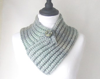 Green knitted cowl, knitted neckwarmer, cowl with button, green neckwarmer with button, uk neckwarmers, Winter accessories, yarnawayknits