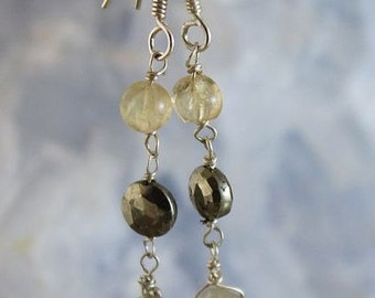Earrings in silver, stones of golden rutil quartz and pyrite