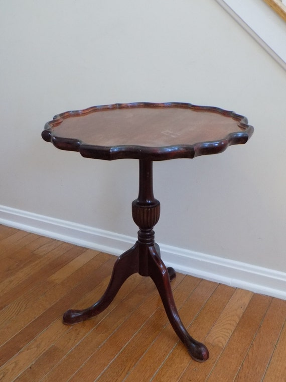 Antique Mahogany Coffee Table Leather Top A