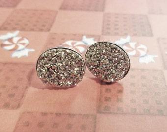 Sterling Silver Druzy Earrings, Druzy Studs, Silver Druzy Earrings, Platinum Drusy Earrings, Grey Small Druzy Earrings,Little Druzy Earrings