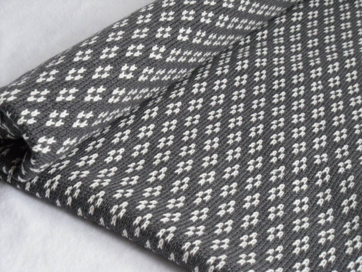 Knitted Baskets Free Patterns : Cot knitted Blanket/ Grey & Cream Blanket/ Fair Isle knit/