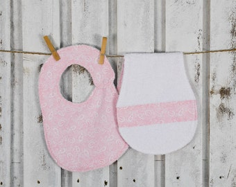 pink set for babies,matching mommy's shoulder towel