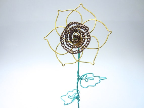 Sunflower made out of wire