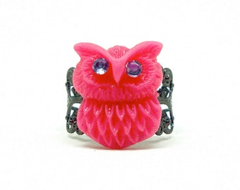 Small pink owl ring, unique owl ring, owl jewelry, crystal owl, filigree ring, gunmetal ring, adjustable ring