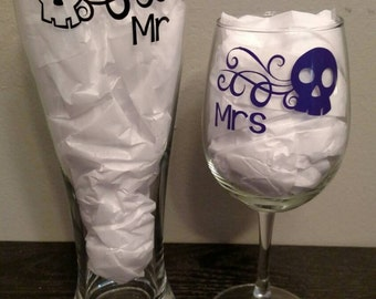 Mr and Mrs Wine & Beer Skull Skulls Theme Goth Gothic Sugar Glass Set Just Married Wedding Gift Bride Groom *Glitter Option*