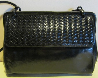 Lovely vintage black leather bag, shoulderbag; Italy, vg