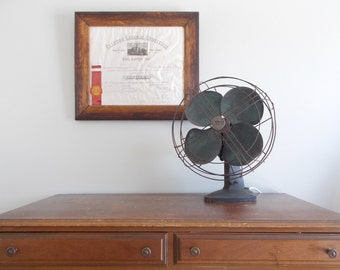 Arctic Aire Green Electric Fan circa 1940s - In Working Condition