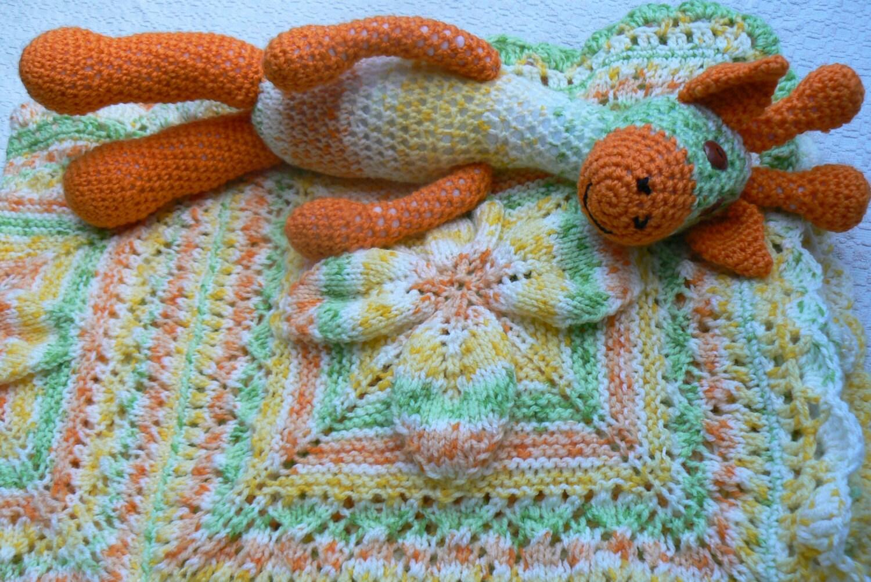 Giraffe Baby Blanket Knitting Pattern : Knitted Baby Blanket with Matching Toy Giraffe Knitted by Mammukas