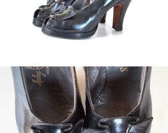 Black 1940s Shoes, Black 40s Shoes, Black Peeptoe Shoes, 40s Shoes, Leather Pumps , 40s Heels,  5 55 Shoe Women Shoe Heel Pump, Vintage Shoe