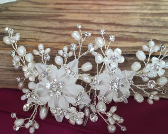 Bridal Hair comb with Fresh water pearls/ light ivory wedding hair comb,wedding Hair accesories,pearl Bridal Comb,Crystal wedding co