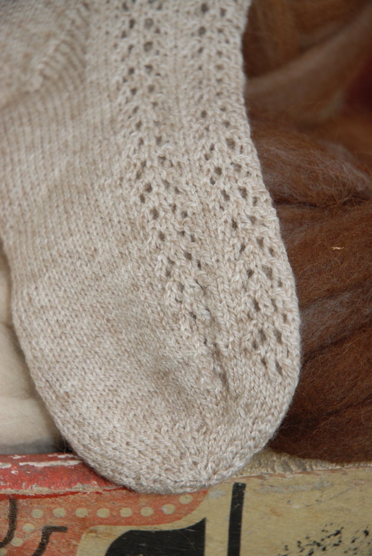 Pattern - Lacy Portuguese Socks to Knit