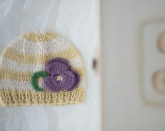 Newborn photo prop girls / girl take home outfit /  baby shower / newborn hospital hat / newborn girl summer hat / newborn flower accent hat