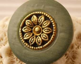 BUTTONS:  Vintage set of green and gold buttons, 1 inch and 3/4 inch sizes, set of 14 buttons.