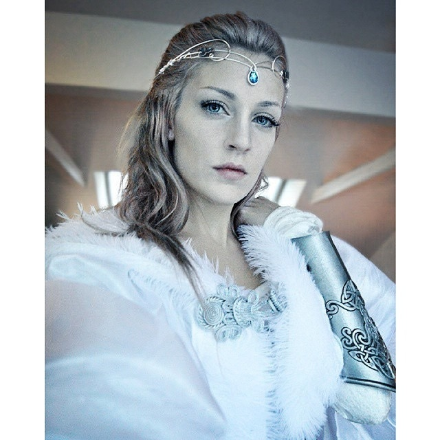 Medieval Crown Headpiece Tiara Fantasy Wedding Circlet