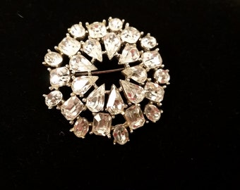 Clear rhinestone layered 3-D domed brooch vintage