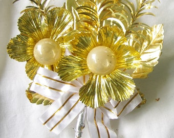 Vintage Christmas Corsage Large Gold foil leaves tinsel, White and Gold ribbon, mercury glass, 1950s Christmas decoration Ornament