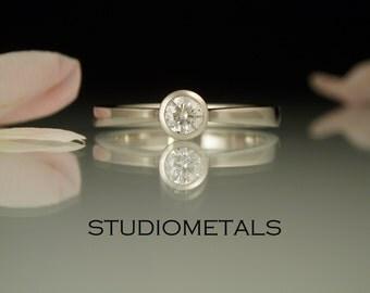 Simple Diamond Engagement Ring, Petite Diamond Ring, Bezel Diamond Ring, Minimal Engagement Ring, Thin Diamond Ring, Small Diamond Ring,R150