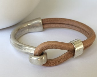 Natural Tan Leather Bracelet, Antique Silver Hook Clasp, Leather Bangle, Silver And Tan Bracelet, Silver Tone Clasp, Unisex Leather Bracelet