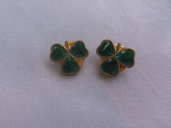 green enameled shamrock three leaf clover clip on