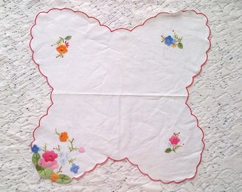 Vintage Applique Embroidered Doily - Floral and Scallop Edge