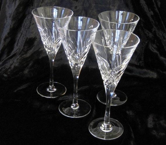 4 Hand Cut Edinburgh Crystal Wine Glasses Stylish Modern
