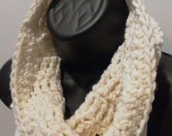 Crochet Cowl Merino Wool in Snow