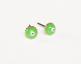 Yellow green earrings, Sparkly tiny lime green stud earrings, Yellow green minimalist earrings, Rhinestone, Hyporallergenic, Sparkly 6mm
