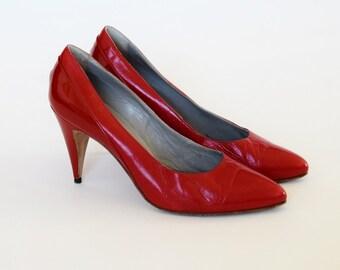 Size 5 Vintage 80s/1980S heels shoes pumps stilettos High heel lipstick red leather patent leather US 5 UK 2,5 EU 35