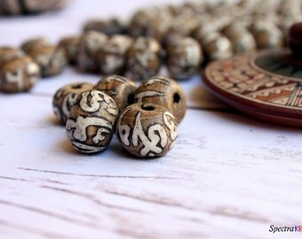 5 Loose Conch Shell Beads - Large Beads - 18mm x 15mm beads - Vintage Tibetan Beads - Jewelry Supplies - Om Beads - Handmade Beads