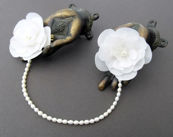 Ivory Flower Bridal Headband, Freshwater Pearl Headband, Flower Fascinator, Pearl Wedding Headpiece, 1920's Bride