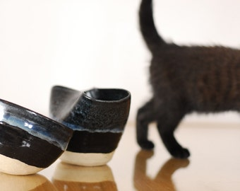 Set of 2 ceramic pots