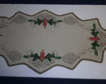 Big Christmas Cover-embroidered blanket-red-green blanket-Vintagedecke