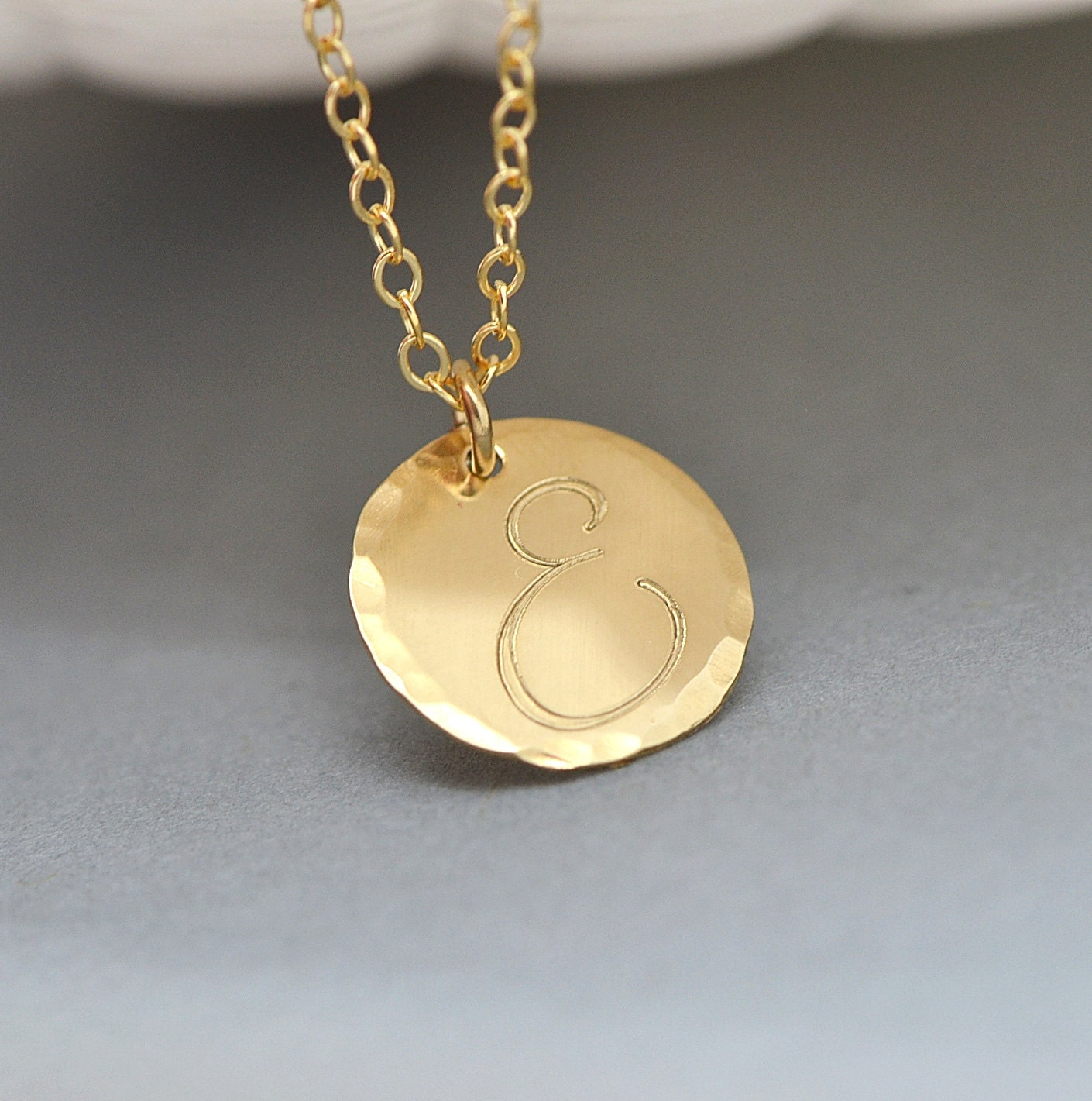 initial disc necklace hammered disc necklace personalized. Black Bedroom Furniture Sets. Home Design Ideas