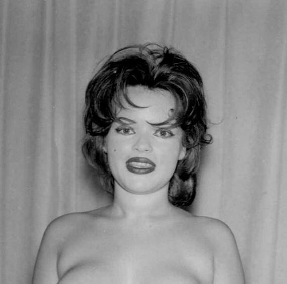 Reife Models - omasgeile-porno-fotoscom