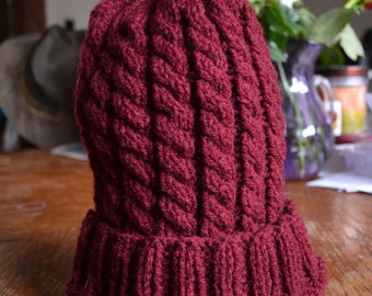 Wine red cable hat
