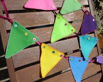 MASSIVE SALE Handcrafted Felt & Button Hand Stitched Colourful Bunting (8Ft)
