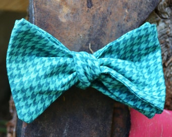 Men's self-tie bow tie/ freestyle bowtie/cotton/butterfly tie/necktie/classic bowtie/guy's bow tie/blue/green/gift for him/hounds tooth/tie/
